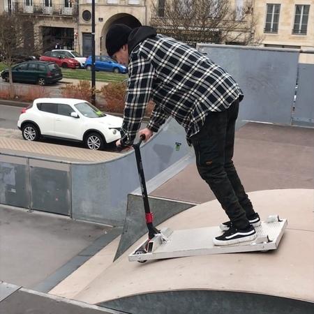 "Richard Zelinka 🚀 on Instagram Having fun here in Bordeaux 🇫🇷😂🚀 Ft @ 👐 bordeaux"""