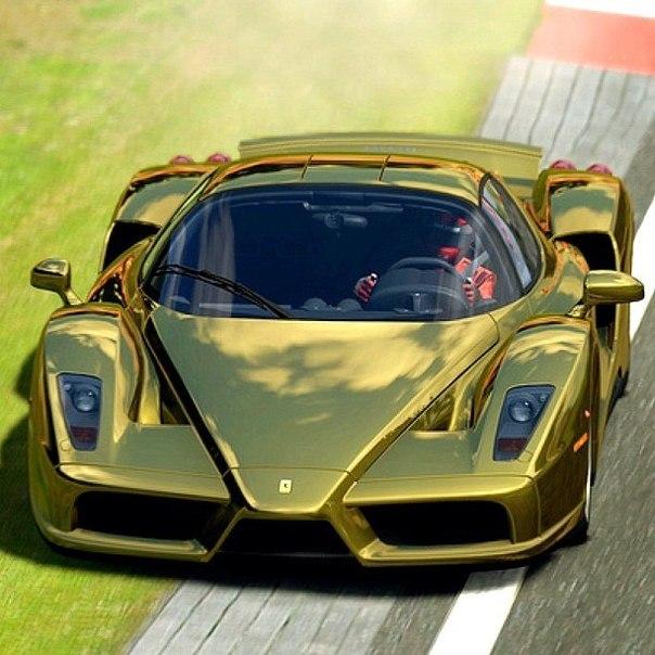 Gold Ferrari Enzo