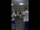 Денис Беринчик и его новый тренер Станислав Григорук разминка перед поединком 1