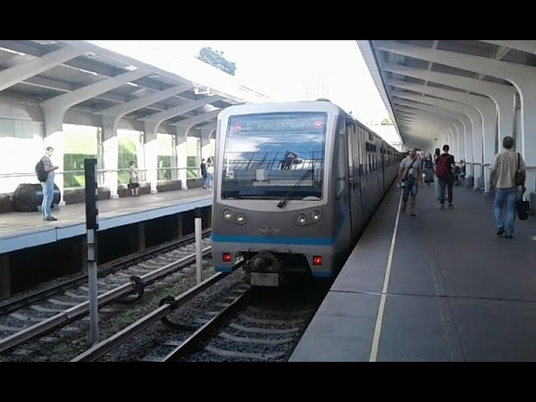 Поезд Русич на (ФЛ)