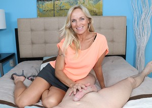 Slim oriental whore rides her man hardcore