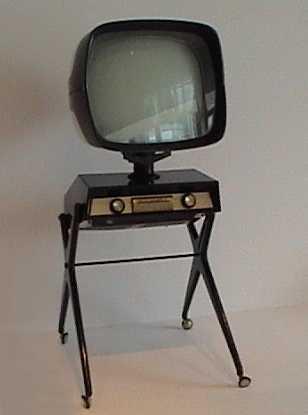 "Элегантный французский телевизор ""Teleavia"", 1950-е."