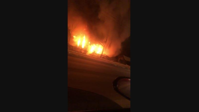 В Промышленном районе Смоленска сгорел частный дом