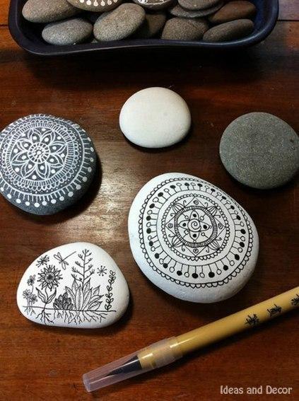 Расписные камушки. Идея для творчества.
