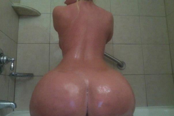 порно фото накаченная попа