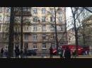 В Петербурге обиженная мужем жена прошла по карнизам дома, зашла в чужую квартиру и выпила пиво