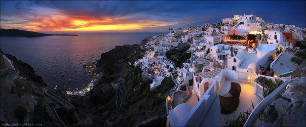 Закат в городке Ия на острове Санторини, Греция. Автор фото: .  Спокойной ночи!