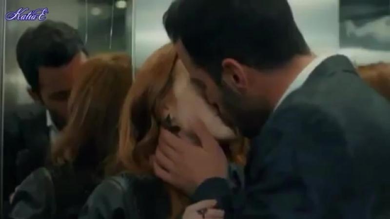 Поцелуй в лифте видео ВСЕМ!