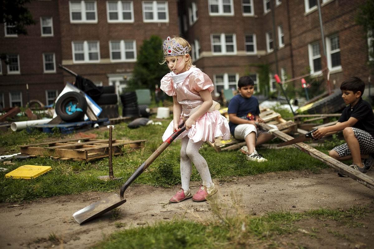 Нью-йоркская принцесса с совковой лопатой: А мы играем в приключения