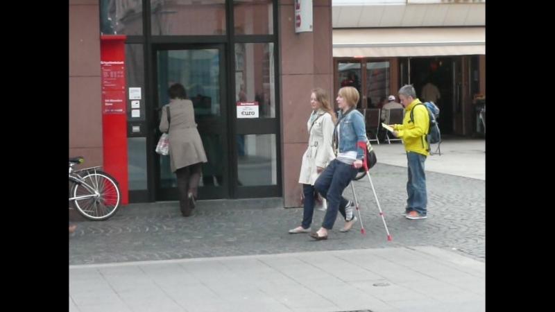 Red-crutches_sock_mz-altstadt_vid.may12