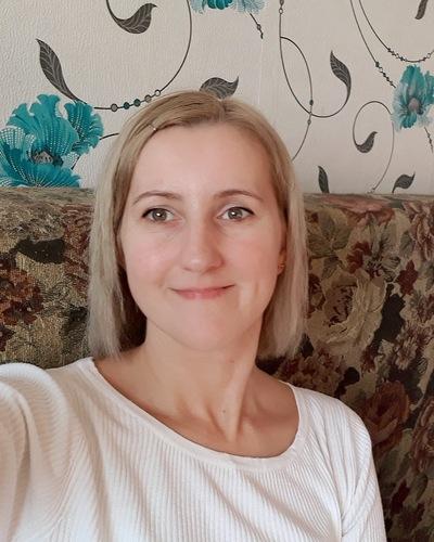 Яна Пахомова