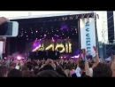 Avicii playing Alesso's 'Pressure' back in 2011 at Summerburst