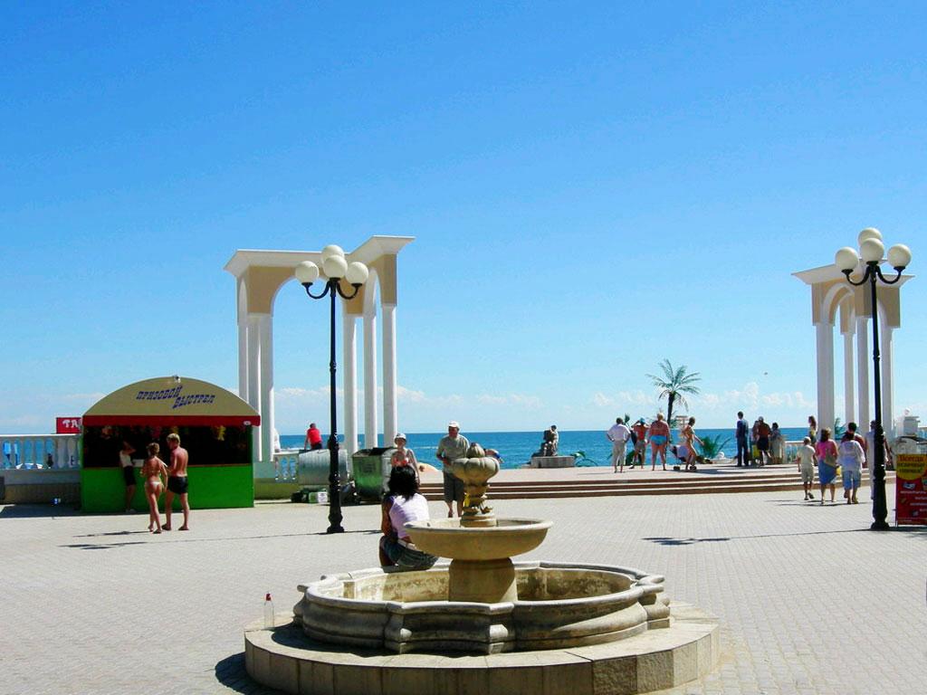 Назван самый популярный город Крыма для семейного отдыха