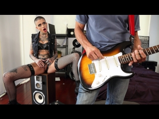 Noise Cumplaint - Leigh Raven & Tommy Gunn (2018)