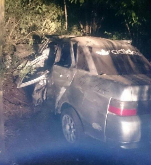 Под Таганрогом «десятка» врезалась в дерево, 20-летний водитель погиб