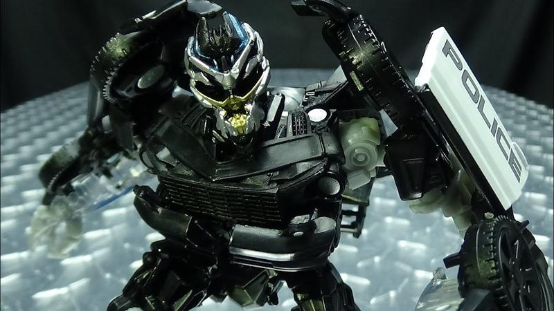 Studio Series Deluxe BARRICADE EmGos Transformers Reviews N Stuff