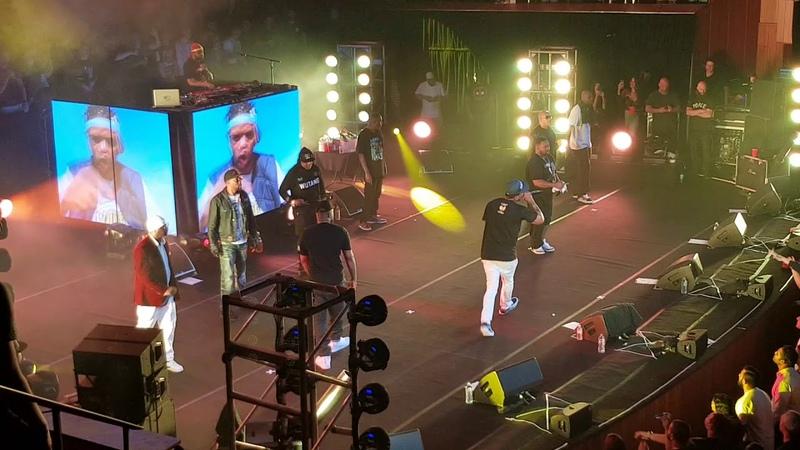 Wu-Tang Clan выступили в Сиднее с треком M.E.T.H.O.D MAN, в рамках тура в честь 25-летия альбома «Enter The Wu-Tang (36 Chambers)». (8 декабря 2018 г.) (видео)