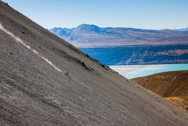 Брук Макдональд в Новой Зеландии.  Природный ландшафт - лучшая трасса.