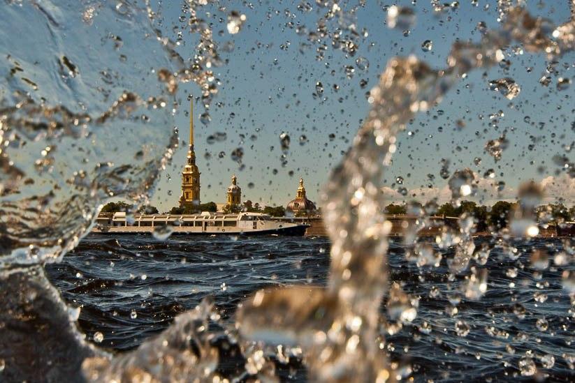 Нева. Петропавловская крепость. Санкт-Петербург.