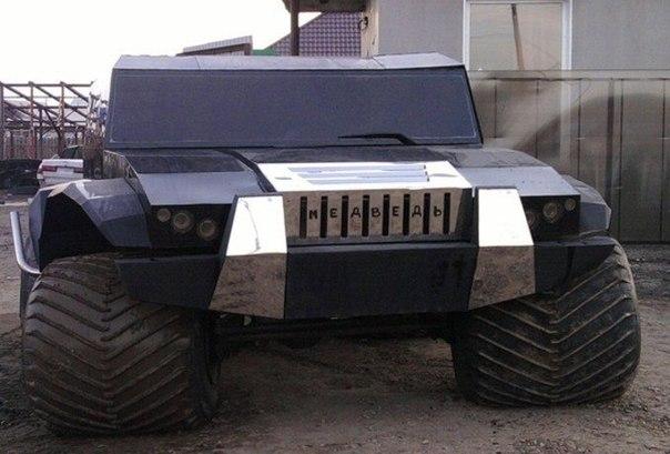 """Внедорожник-амфибия """"МЕДВЕДЬ""""  Стоимость такой игрушки обойдется вам от 4 млн. рублей. Высокая суперпроходимость, плюс можно рыбачить и охотиться прямо из автомобиля."""
