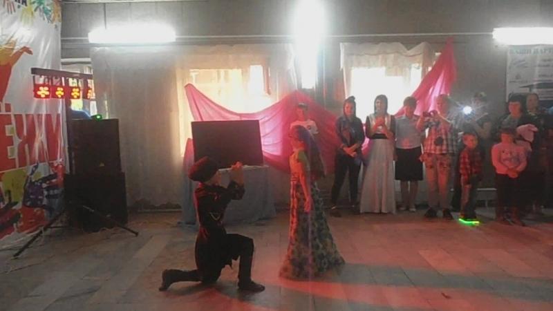 видео танец лезгинка » Freewka.com - Смотреть онлайн в хорощем качестве