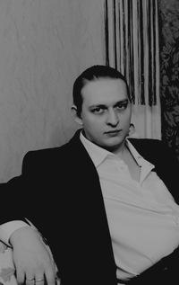 Леонид Ларионов