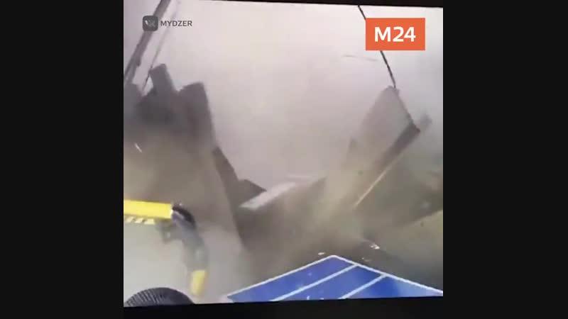 момент обрушения крыши в Дзержинском