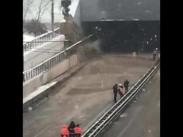 Авария шлюза на Москва-реке в р-не Хорошевского шоссе
