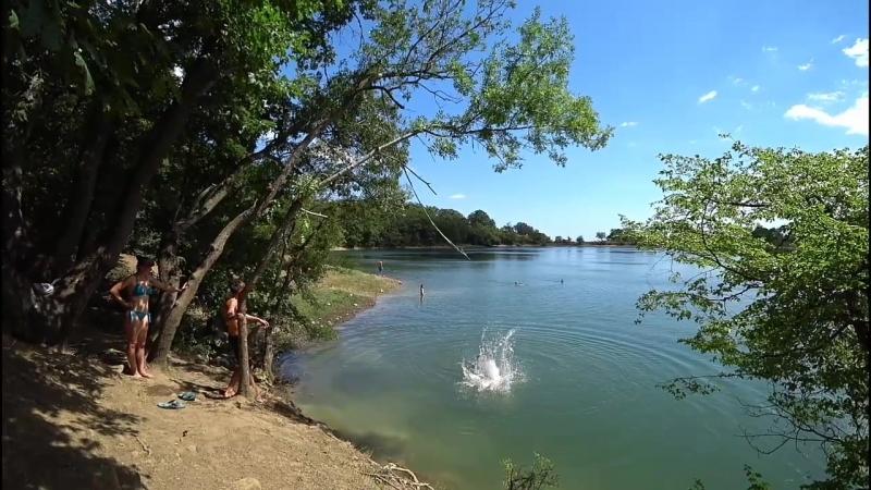 Купание на Лавандовом озере