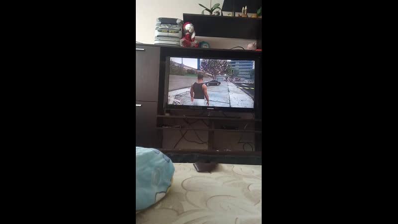 Учусь играть на контроллере в ГТА на PS4