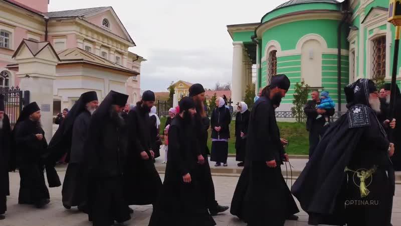 Пасхальный чин о Панагии и братское шествие с Артосом