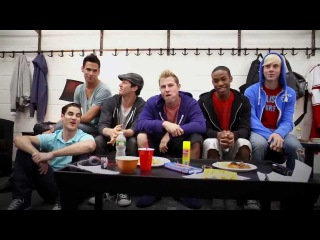 Glee 3D: Cut-out scene, backstage with the cast (720p)