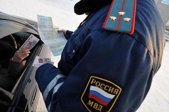 Прокуратура Таганрога признала законным возбуждение уголовное дела в отношении инспектора ДПС