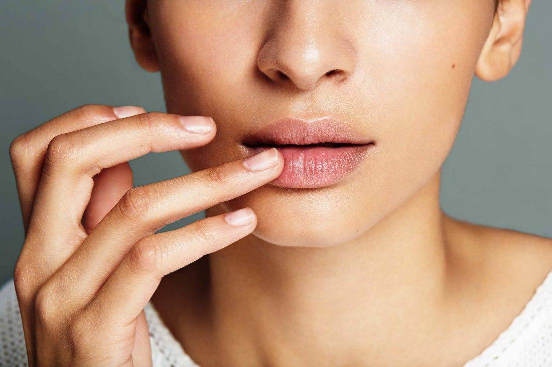 Что делать, если шелушится кожа вокруг рта?