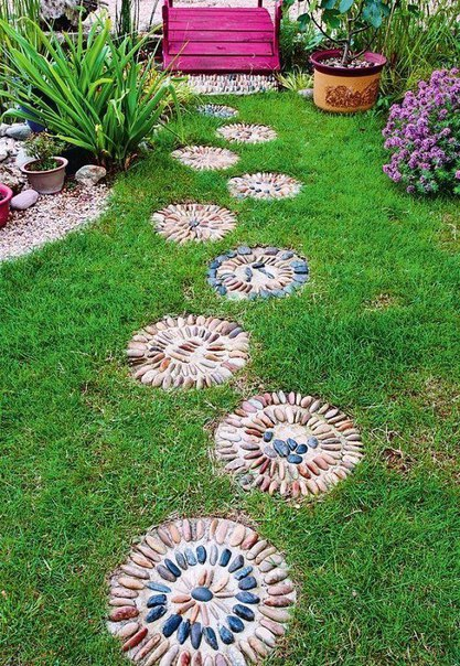 Как сделать красивую шаговую дорожку для сада своими руками