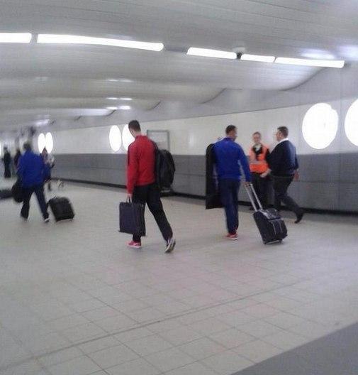 Манчестер Юнайтед прибыл на игру в Милтон Кейнс на поезде ...: http://www.sports.ru/tribuna/blogs/mkdons/664456.html
