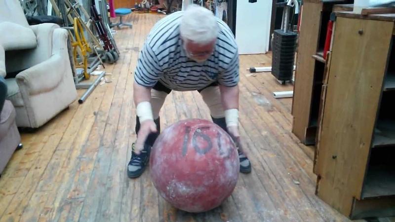 Дикуль поднял камень 160 кг в 75 лет Cнимает видео Пискунов Вячеслав