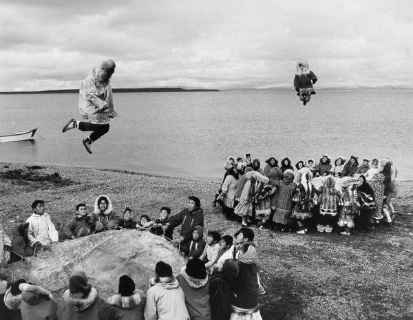 Зачем эскимосы придумали батут