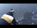 Взрыв шутихи подо льдом