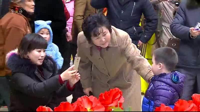 번영하는 내 조국땅에 만발하는 태양의 꽃바다 -제23차 김정일화축전장을 찾아서- (2)