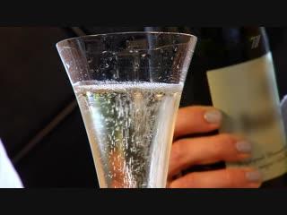 Шампанское. Все дело— вволшебных пузырьках!