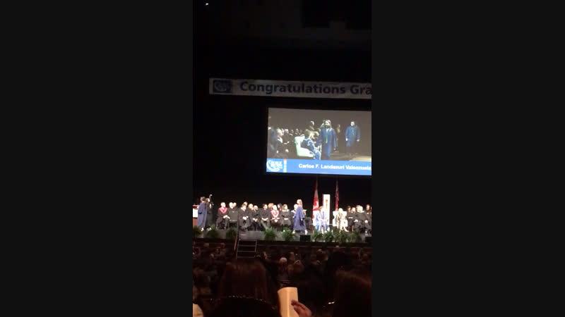 Ксюшка получает диплом