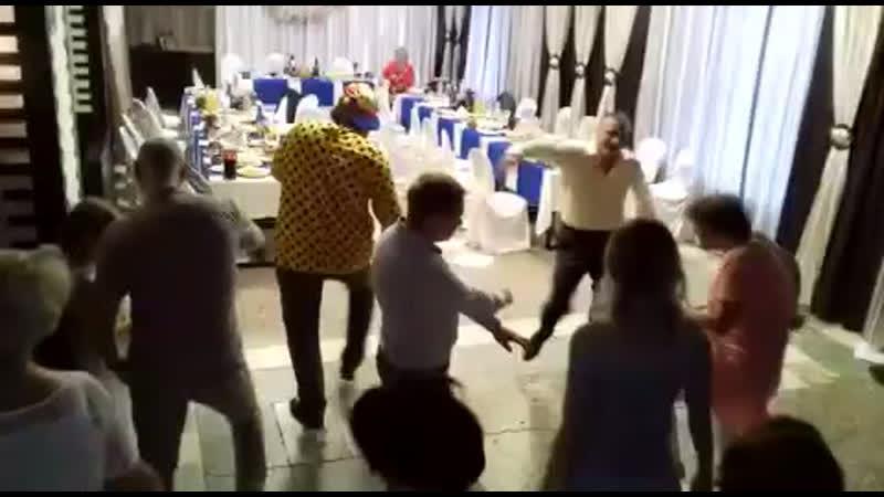 20 июня 2019 в Трактире ! 50 лет Алексею устроили флеш-моб под Бузову