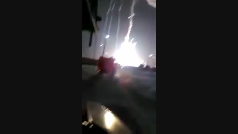 В Астраханской области пожарные засняли неудачный запуск ракеты с полигона Капустин Яр. После запуска что-то пошло не так и од