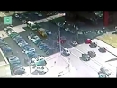 Момент лобового столкновения КамАЗа и легковушки в Москве попал на видео