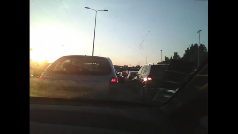2015-08-28 01h53m08s - Le retour, coincé dans les embouteillages...