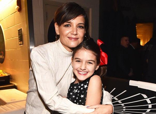 Вновь без Тома Круза: Кэти Холмс отпраздновала 12-летие дочери Сури