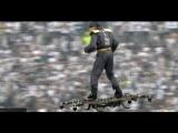 Madrobots.ru - Человек верхом на дроне передал мяч арбитру...