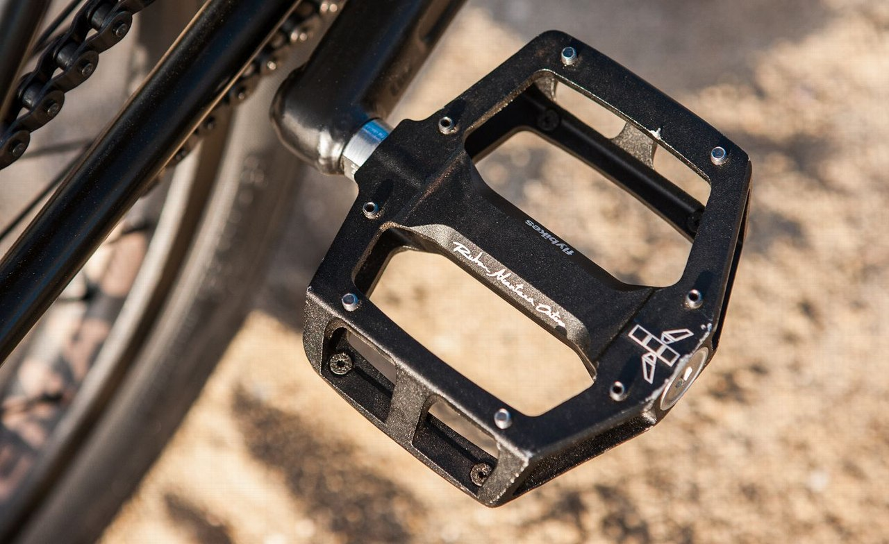 fly bikes pedal