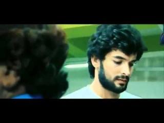 Забавная социальная реклама. Молодой человек первый раз пытается  купить презерватив в Индии.